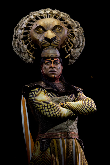 Alton Fitzgerald White as Mufasa in Disney's The Lion King
